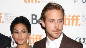 Las hijas de Eva Mendes y Ryan Gosling sucumben al Spanglish