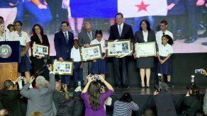 Varela sanciona ley que establece el Programa Panamá Bilingüe como política de Estado