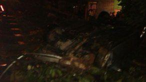 Conductor muere al caer su vehículo en el patio de una casa en Arraiján