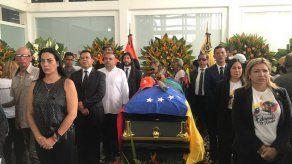 Despiden en mayor favela de Venezuela a dirigente opositor asesinado