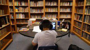 Escuelas en EEUU enfrentan retos en educación a distancia