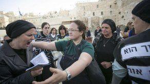 Judíos ultraortodoxos atacan autobús en Jerusalén