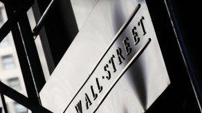 Wall Street cierra con pérdidas después del feriado