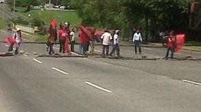 Indígenas protestaron en Vía Interamericana en rechazo a Ley 72