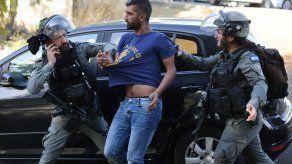 La policía israelí dijo que había neutralizado en Jerusalén del Este al asaltante, sin precisar su identidad.