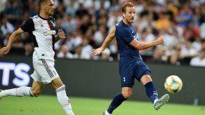 Tottenham derrota en amistoso a Juventus con gol desde media cancha de Kane