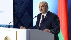 Lukashenko promete reforma constitucional y pone condiciones a su salida
