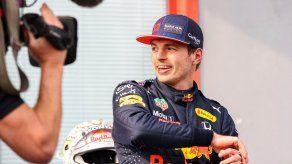 Max Verstappen vence a Hamilton en una convulsa carrera en Ímola