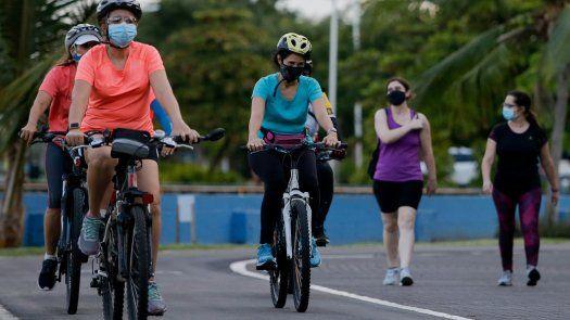 El Decreto Ejecutivo tiene como objetivo el desarrollo, la promoción y el fomento de la movilidad activa en general, y en especial, la movilidad ciclista, siendo prioridad la seguridad integral del ciclista y el respeto por los espacios que se destinen para este.