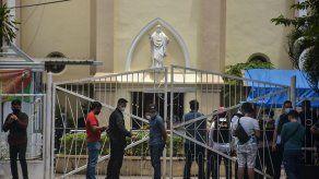 Dos atacantes muertos y 20 heridos en atentado contra iglesia en Indonesia