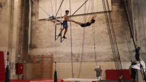 Reabre escuela de circo en Bruselas: Alegría e incertidumbre