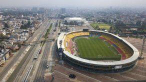 Duque dice que es prematuro reanudar el fútbol en Colombia
