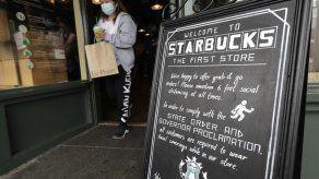 Starbucks exigirá a clientes portar mascarillas en EEUU