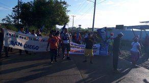 Moradores de San Diego en Pacora protestan por contaminación del río y malos olores