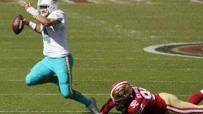 Fitzpatrick luce casi perfecto y Dolphins sorprenden a 49ers