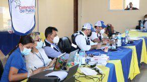 La Defensoría del Pueblo funge como mediadora en la mesa del diálogo entre los docentes y el Meduca.