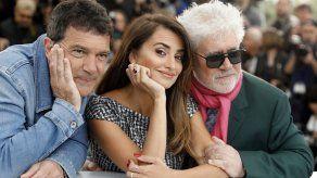 Para Banderas el triunfo en Cannes fue agridulce sin premio a Almodóvar