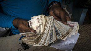 Cuba reduce subsidios y reordena su economía