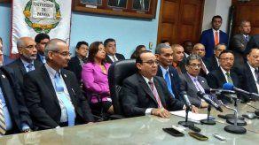 Rector anuncia marcha hacia la CSJ para defender la autonomía de la UP
