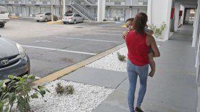 Puertorriqueños desalojados buscan casa ante fin de ayudas