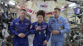 Tripulación de EEI regresa tras más de 200 días en órbita