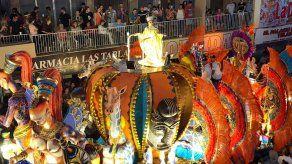 Paseo nocturno del domingo de Carnaval en Las Tablas