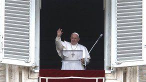 El papa renueva plegarias por Siria tras 10 años de guerra