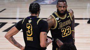 Los Lakers se ponen el traje de Kobe para rematar las Finales de la NBA