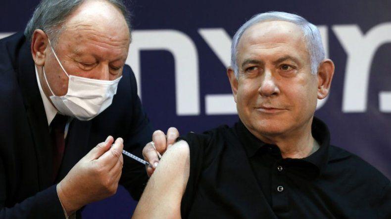 Netanyahu recibe vacuna contra coronavirus e inicia campaña de vacunación en Israel