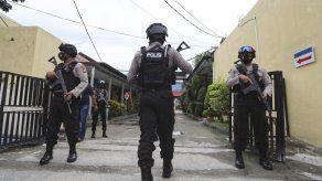 Los sospechosos, fallecieron luego de ser baleados en una redada efectuada por parte de un equipo de cinco hombres del ejército y de la policía en la provincia montañosa del distrito de Parigi Moutong, en Célebes Central.