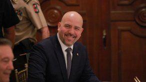 Diputado Carles recuerda al ministro Mirones que debe atender citación del Pleno