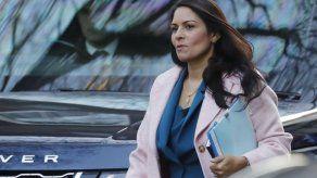 Un escándalo de acoso laboral expone las tensiones en el gobierno británico de Johnson