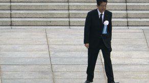 Premier de Japón va a hospital; surgen temores por su salud