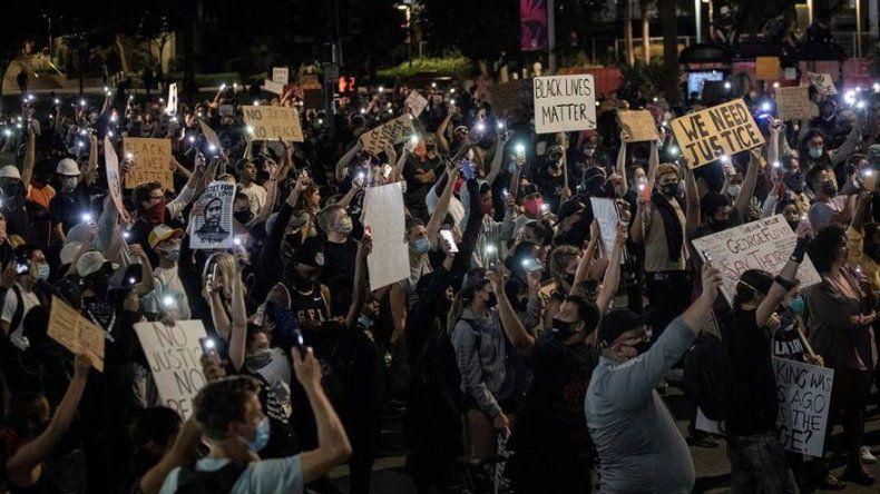 Noche con menos disturbios en EEUU y Trump criticado por el exjefe Pentágono