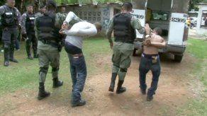 Frustran privación de libertad y detienen a dos personas en Colón