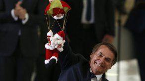 Bolsonaro: Trump no impondrá aranceles a acero de Brasil