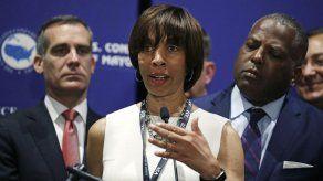 Acusan de fraude a exalcaldesa de Baltimore
