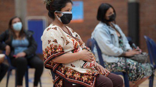 .la responsable de vacunación de la OMS Kate OBrien afirmó que existía un riesgo más elevado de contraer una forma grave de la enfermedad para una embarazada.