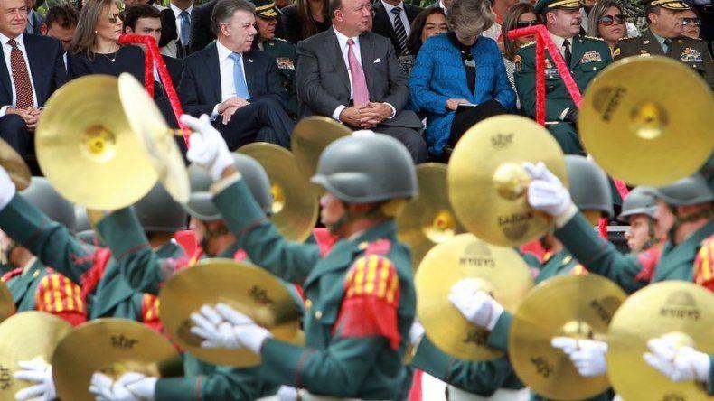 Colombia celebra la Independencia con desfile militar para garantizar la paz