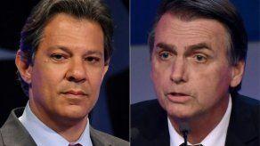 Más de 2.500 brasileños llamados a votar en Chile entre Bolsonaro y Haddad
