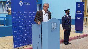 Polémica en Uruguay por operación de columna a un ministro en Argentina