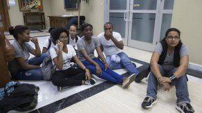 Estudiantes ocupan Procuraduría para exigir justicia en caso Odebrecht