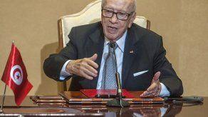 Muere el presidente de Túnez