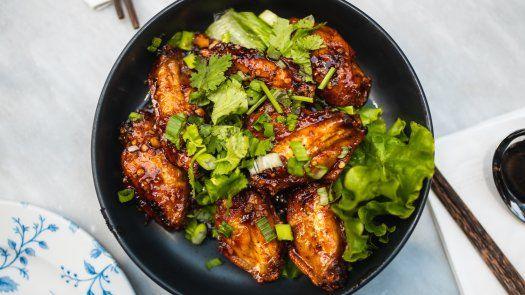Los restaurantes que más pedidostuvieron en la plataforma de delivery PedidosYa durante el Wings Week fueronSlabón, Wing It y La Tapa del Coco.