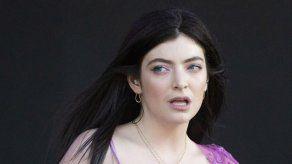 Lorde anuncia el lanzamiento de un libro de fotografías y ensayos