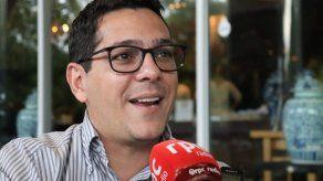 Diputado Raúl Fernández dice que no defenderá casos remunerables tras tomar licencia