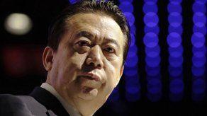 China condena a exjefe de Interpol a 13 años por sobornos