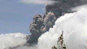 Incrementa la actividad del volcán Sangay en Ecuador
