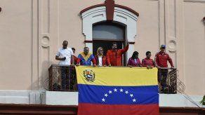 Venezuela rompe relaciones con EEUU por reconocer a opositor como presidente