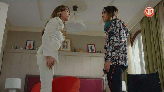 Arzu descubre que Melisa puede caminar